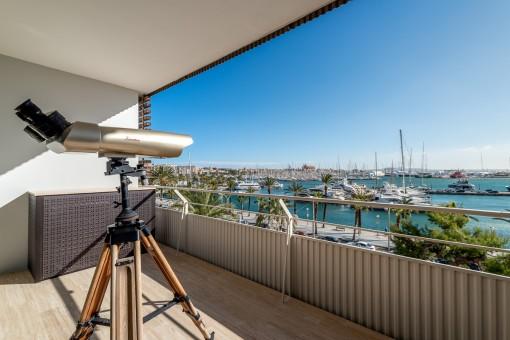 High End ausgestattetes Design Apartement mit Panoramablick auf Yachthafen und Kathedrale am Paseo Marítimo