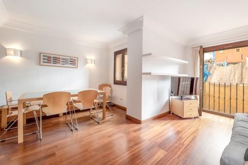 Gemütliche Wohnung in einem schönen Gebäude im La Lonja Viertel und in einer sehr gefragten Straße