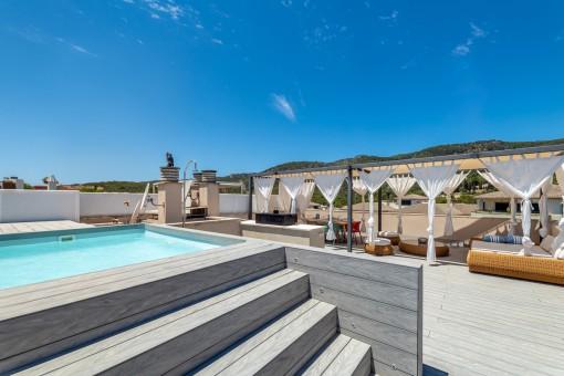 Schönes Duplex-Penthouse mit privatem Pool und großer Dachterrasse in Palma