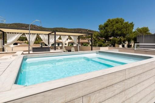 Schönes Duplex-Penthouse mit privatem Pool und großer Sonnenterrasse in Palma