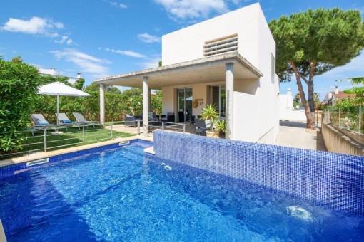 Fabelhaftes Haus mit Terrasse, Pool und Ferienvermietlizenz in Strandnähe in Colònia de Sant Pere