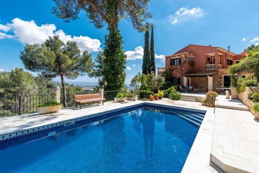 Luxuriöse Meerblick-Villa in absoluter Ruhe im unmittelbaren Umfeld von Palma
