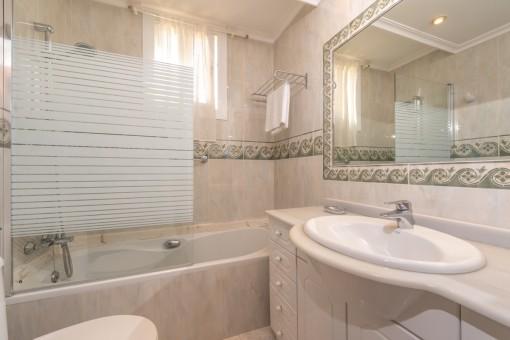 Badezimmer, Apartment 1