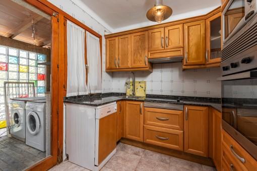 Küche mit Waschküche