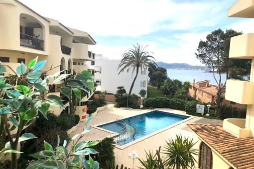 Meerblick-Wohnung mit Balkon in einer Wohnanlage in Strandnähe in Santa Ponsa