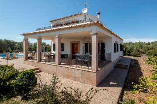 Schönes Landhaus mit Vermietungslizenz auf großem, privatem Grundstück mit Fernmeerblick in Portol