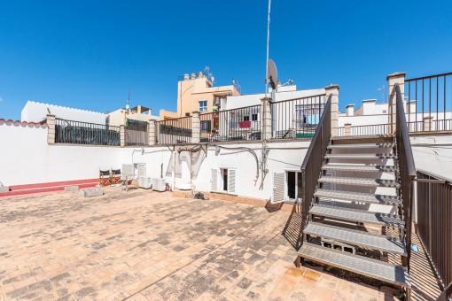 Reihenhaus mit vielen Terrassen im kommenden Trendviertel El Terreno