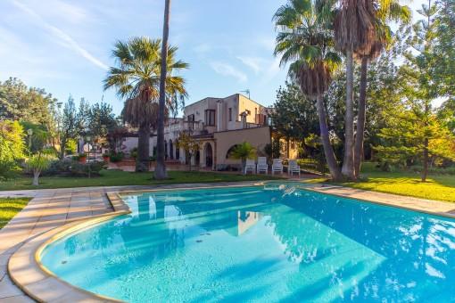 Große Villa in ruhiger Umgebung mit Pool und schönem Tramuntana-Blick in Es Garrovers