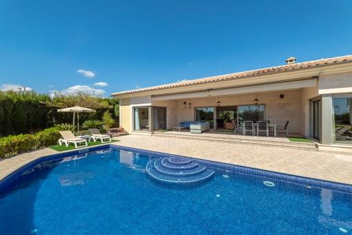 Fabelhaftes Haus im minimalistischen Stil mit Pool, Garten und Südausrichtung in Sa Cabaneta