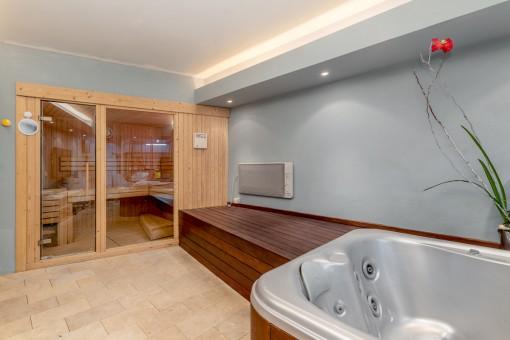 Beeindruckender Pool- und Saunabereich