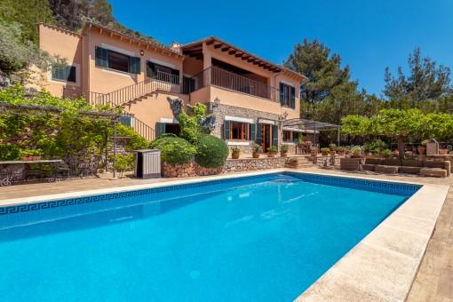 Hervorragende Villa in prestigeträchtiger Gegend mit tollem Panoramablick in Valldemossa