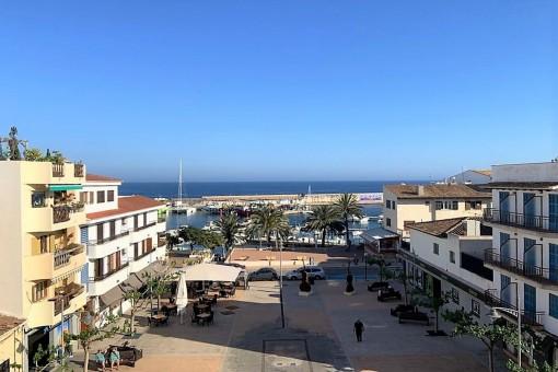 Herrschaftliches, geräumiges Penthouse mit Blick auf den Hafen, Top Qualität und Parkplatz in Cala Ratjada