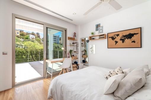 Weiteres Schlafzimmer mit Terrasse