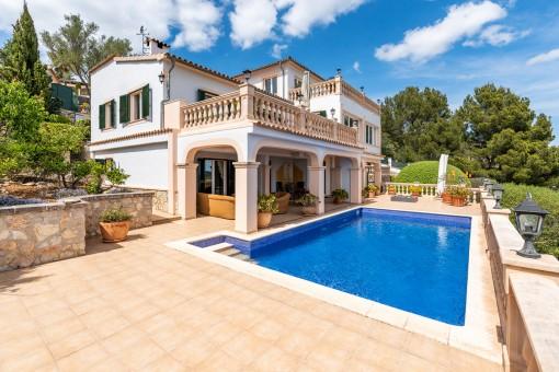 Einzigartige Villa mit fantastischem Panoramablick in Son Font