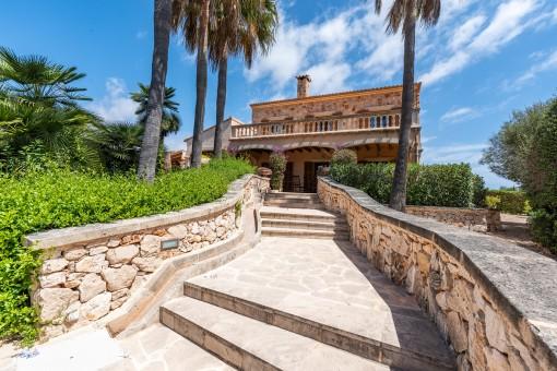 Zugang zur Terrasse und zum Haus