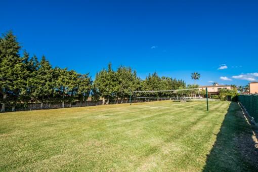 Volleyballfeld im Garten