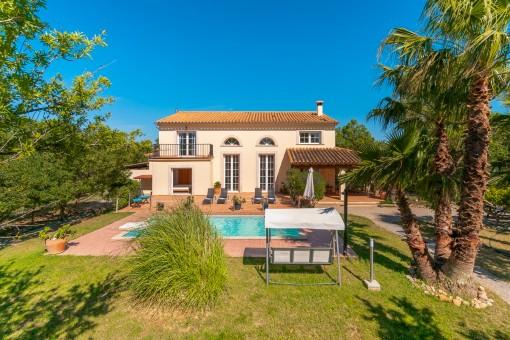 Moderne Finca mit Gästehaus und Pool bei Binissalem