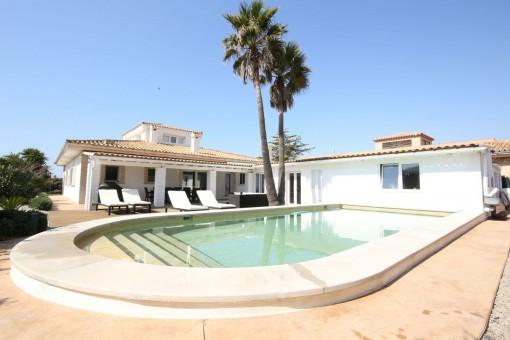 Sehr schöne, edle Villa mit Pool in Sa Torre