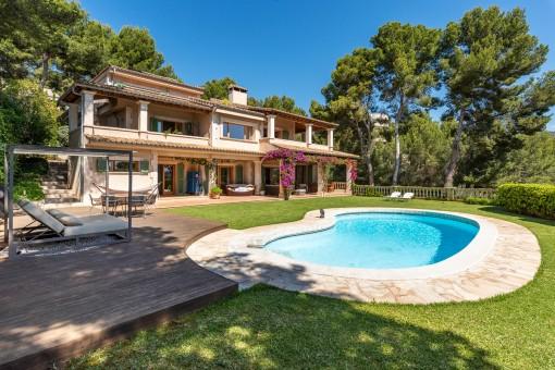 Wunderschöne mediterrane Villa mit Meerblick in Cas Catalá