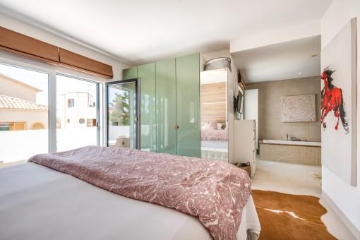 Blick zum Badezimmer en Suite