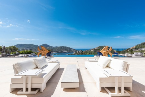 Fantastische Lounge am Pool