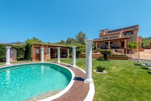 Exklusive Villa mit wunderschönem Bergblick in Bunyola