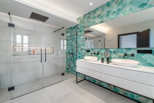 Modernes Badezimmer en Suite