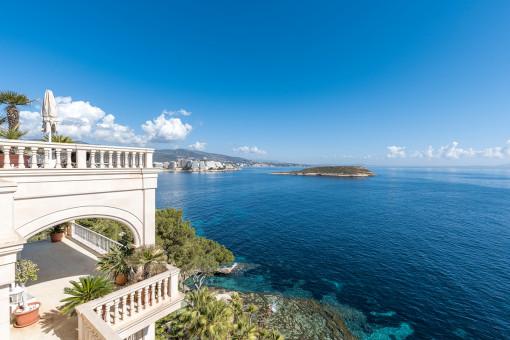 Wunderschöne Villa mit herrlichem Meerblick und direktem Zugang zum Meer in Cala Vinyes