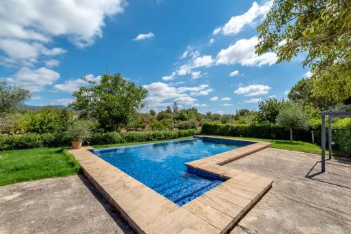 Herrlicher, entspannter Poolbereich