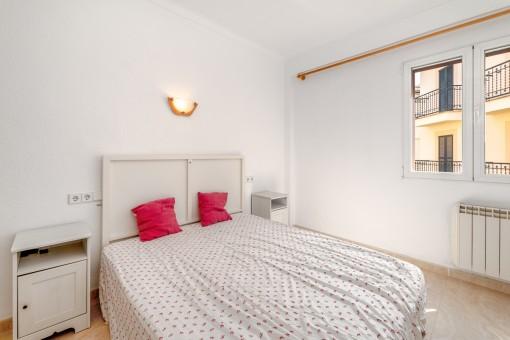 Hauptschlafzimmer mit Doppelbett