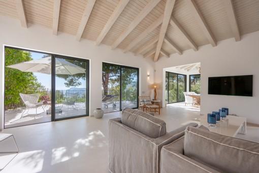 Wohnbereich mit Meerblick-Balkon