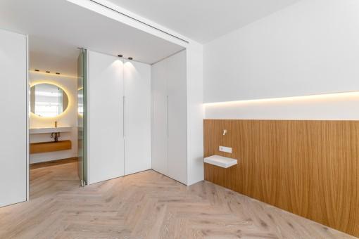 Schlafzimmer mit Bad en Suiet