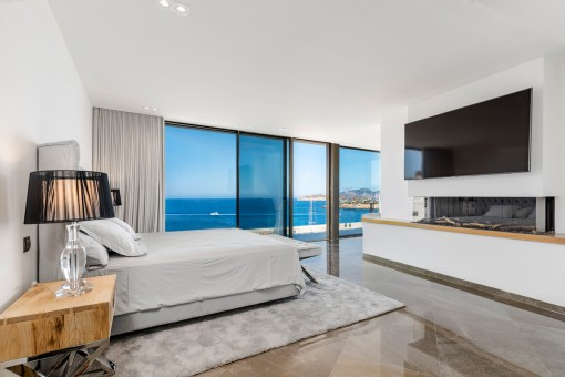 Hauptschlafzimmer mit Panorama-Meerblick