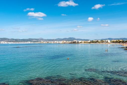 Blick auf Palma und das Tramuntanagebirge