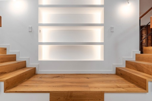 Elegante Treppen in die obere Etage