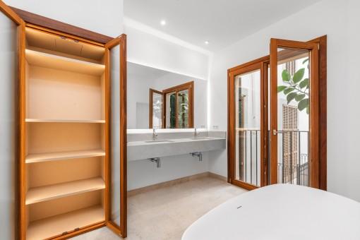 Luxuriöses Badezimmer auf der selben Etage