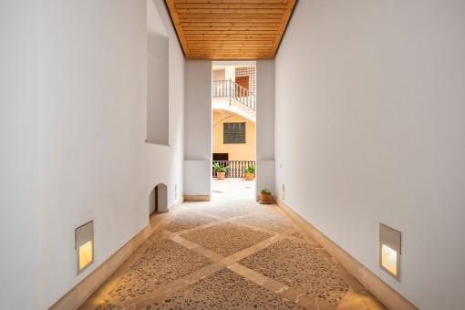 Eleganter Eingang zum Patio