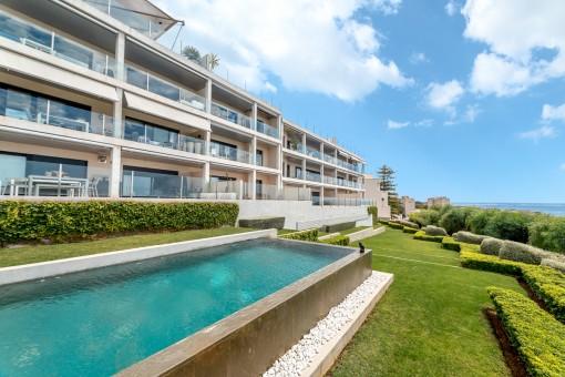 Exquisites 2-Schlafzimmer Apartment mit tollem Meerblick über die Bucht von Cala Nova in San Augustin