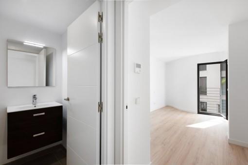 Zugang zum Bad und Schlafzimmer
