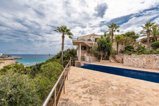 Großzügige Villa mit traumhaftem Meerblick in Cala Murada