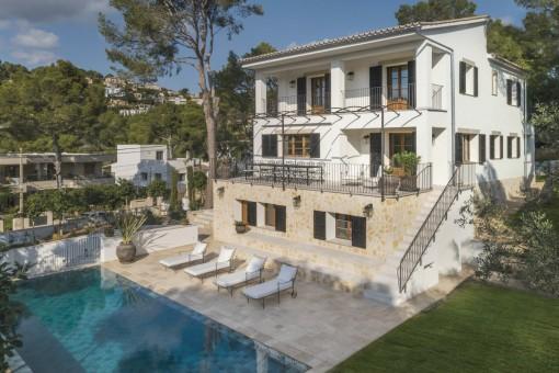 Wunderschöne, renovierte Villa in einer ruhigen Gegend von Portals Nous
