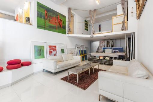 Wohnbereich und Galerie
