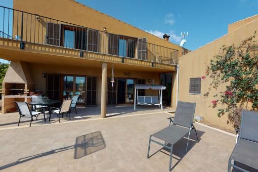 Ländliches Anwesen mit moderner Innenarchitektur bei Muro mit Fernblick auf die Bucht von Alcúdia