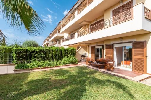 Schöne Gartenwohnung in gepflegter Wohnanlage mit Gemeinschaftspool in Cales de Mallorca