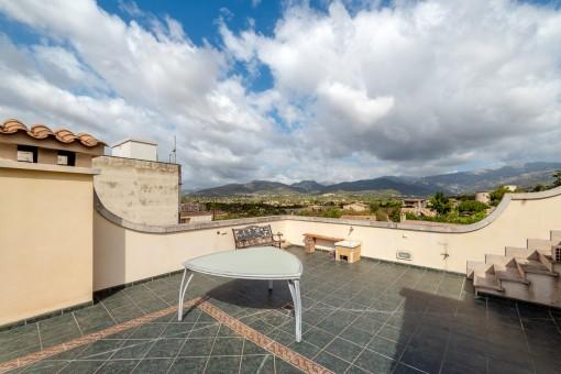 Dachterrasse mit Bergblick