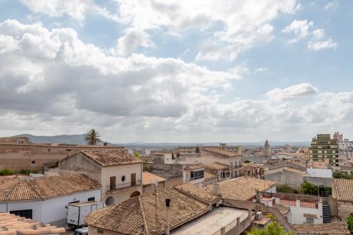 Palastähnliche Villa mit Spa und Ausblick bei Inca