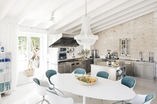 Essbereich und große Küche