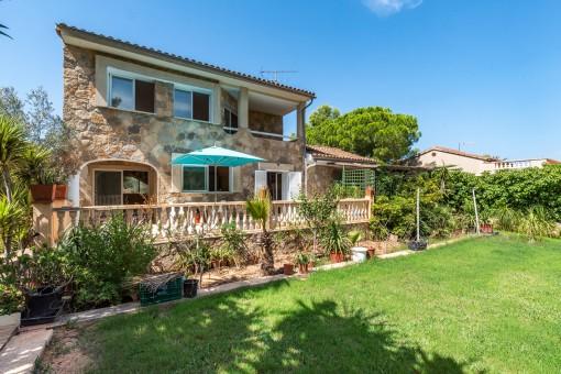 Mediterrane Villa mit grüner Umgebung in der ruhigen Gegend von El Toro