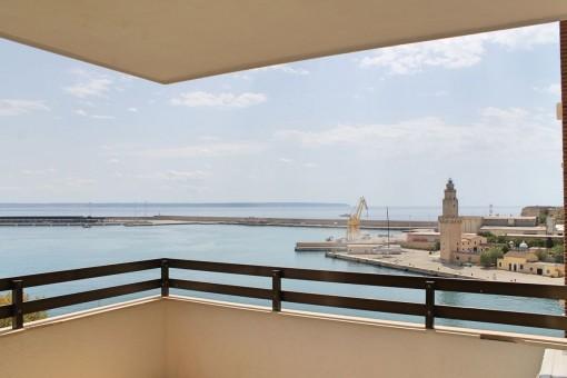 Tolle, unmöblierte Wohnung mit Meerblick in Palma