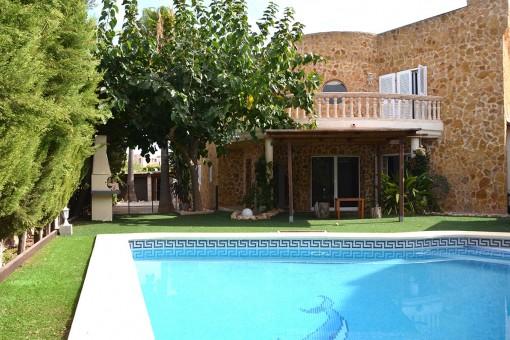 Wunderschönes Reihenhaus mit Meerblick und Pool in Sa Torre